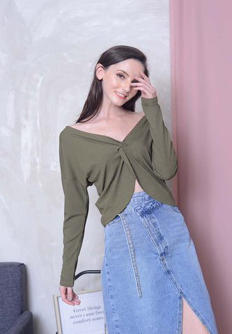 Casual – 2 Ways Style Knit Top in Green