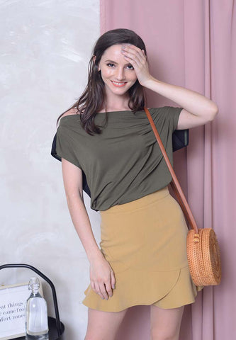 Casual – 2 Ways Style Shoulder Tee in Green