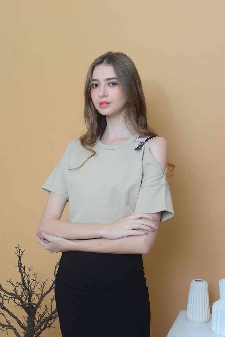 Casual - Cut Out Shoulder Tee in Khaki