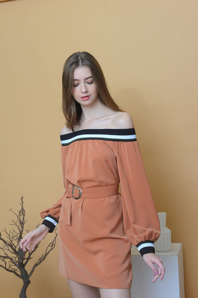 Casual – Rib Off Shoulder Dress in Brown