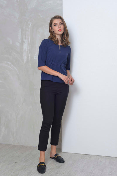 Basics-Charlot Top in Navy