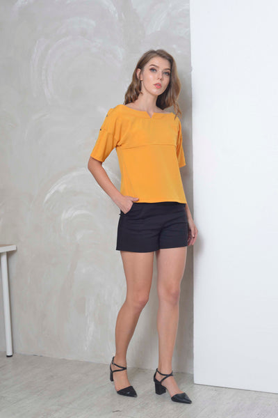 Casual-Dacey Top in Mustard
