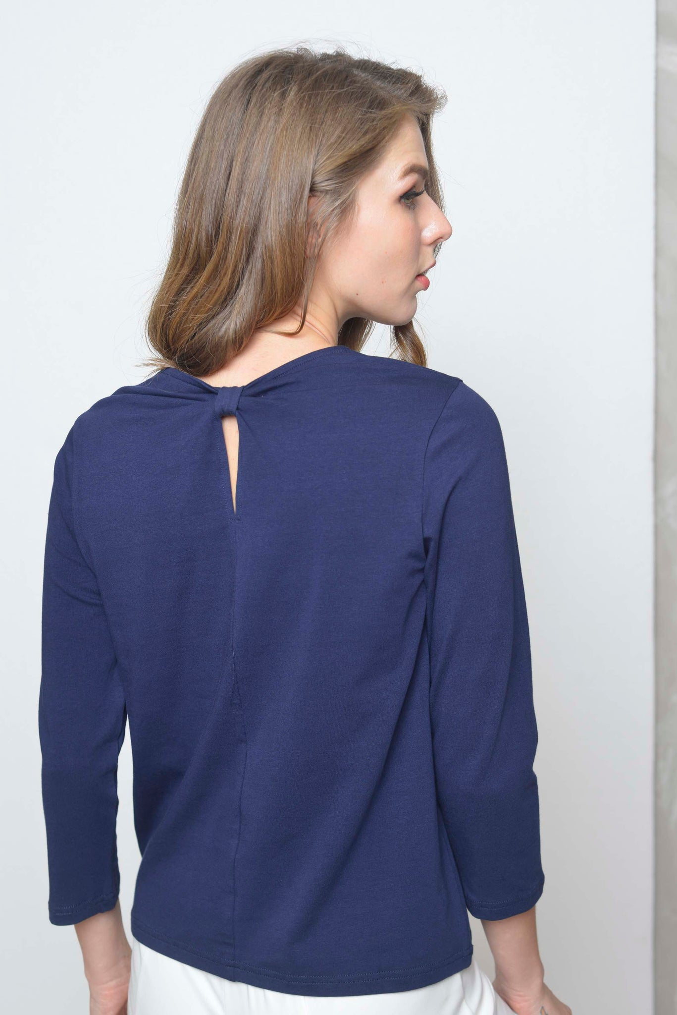 Basics-Giselle Tee in Navy