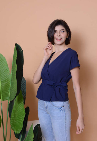 Casual - Wrapped Top in Blue with pin