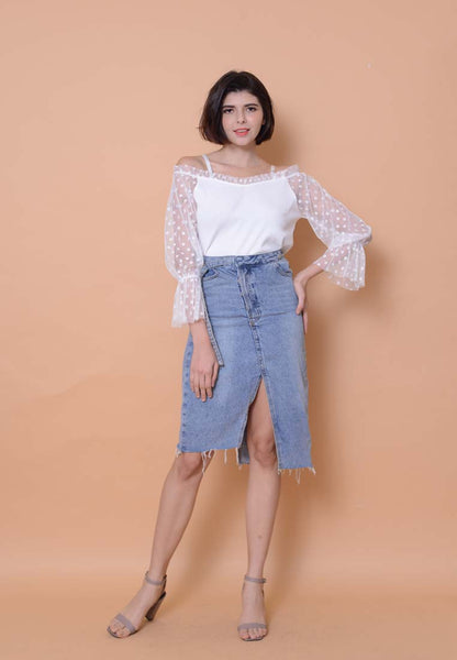 Casual – Mesh Off Shoulder Top in White