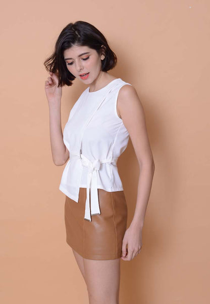 Casual – Waist Tie Top in White