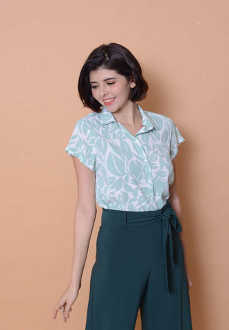 Lyden – Floral Print Top in Green