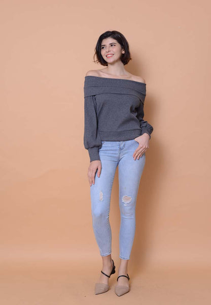 Casual – Off Shoulder Knit Top in Grey