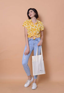 Lyden – Floral Print Top in Mustard