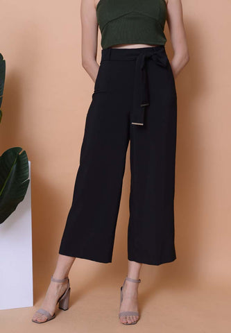 Casual - High Waisted Culottes in Black