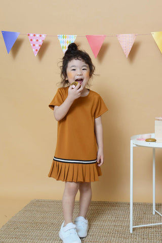 Mini Fluted Hem Dress in Brown