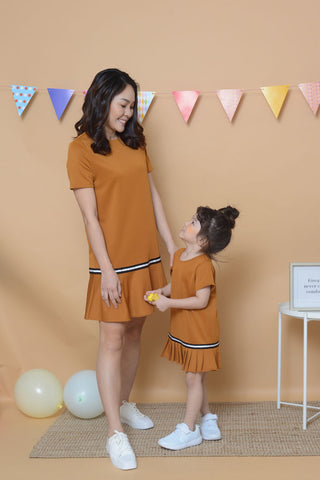 [ Pre-Order ] Casual Fluted Hem Dress in Brown