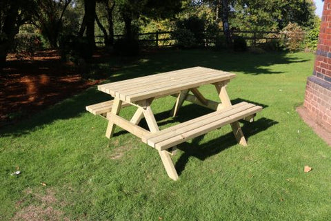 WOODEN DELUXE PICNIC TABLE 1800 (CVPT104)