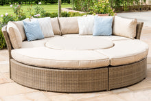 Rattan Tuscany Lifestyle Suite