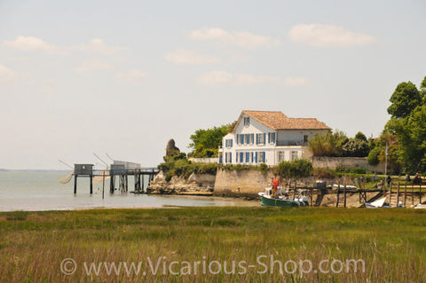 Dock in Talmont sur Gironde, Charente-Maritime 54, Aquitaine, France