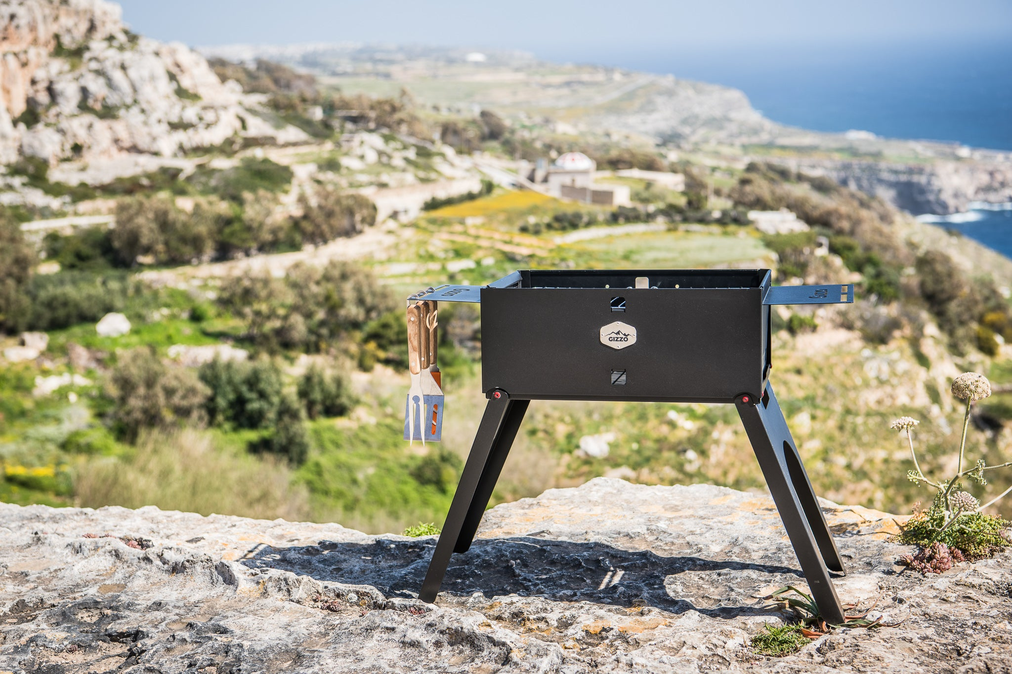 Gizzo Grill – Foldable, Portable, Reliable