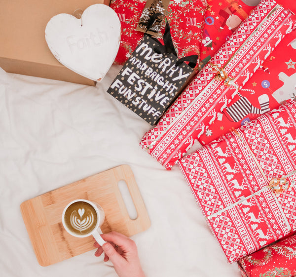 Gift-wrapping + coffee. The perfect combination.