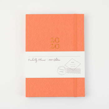 Picture of planner cover with elastic enclosure and packaging