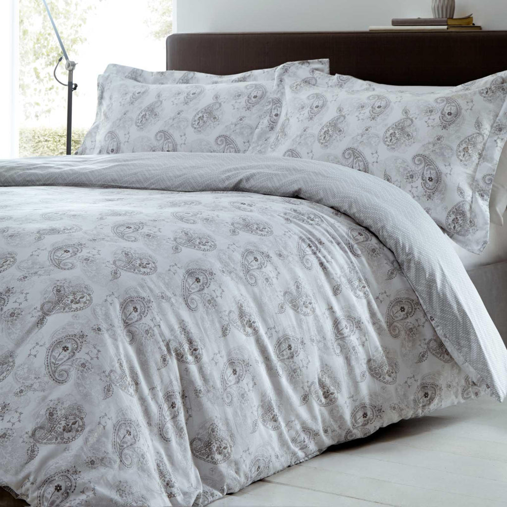 Hestia 300 Thread Count Paisley Print Silver Duvet Cover Set - Ideal Textiles