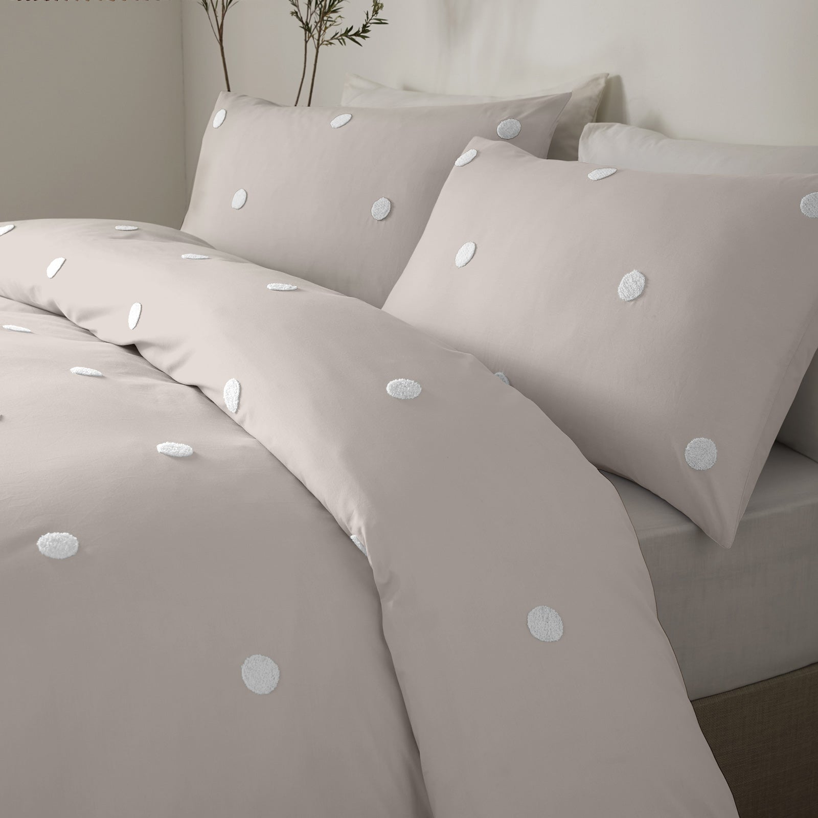 Dot Garden Tufted Spot 100% Cotton Linen Duvet Cover Set -  - Ideal Textiles