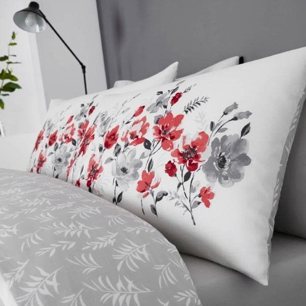 Dreams & Drapes Duvet Cover Gabriella Duvet Covers Red