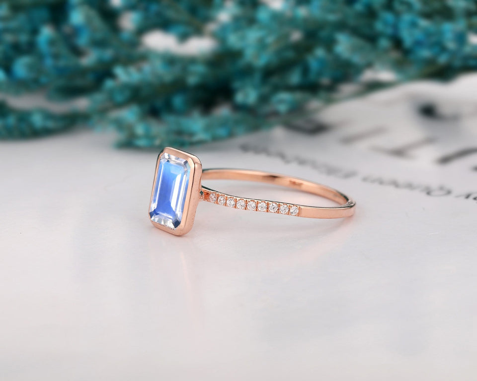 Lover Promise Ring, 2.0CT Emerald Cut Natural Rainbow Moonstone Ring