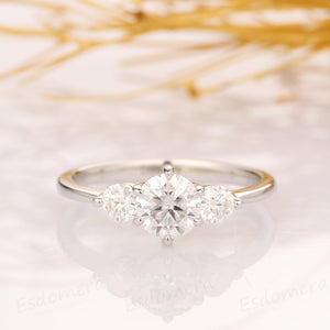 Round Cut 0.8CT Moissanite Ring Engagement Ring, 14k White Gold Ring