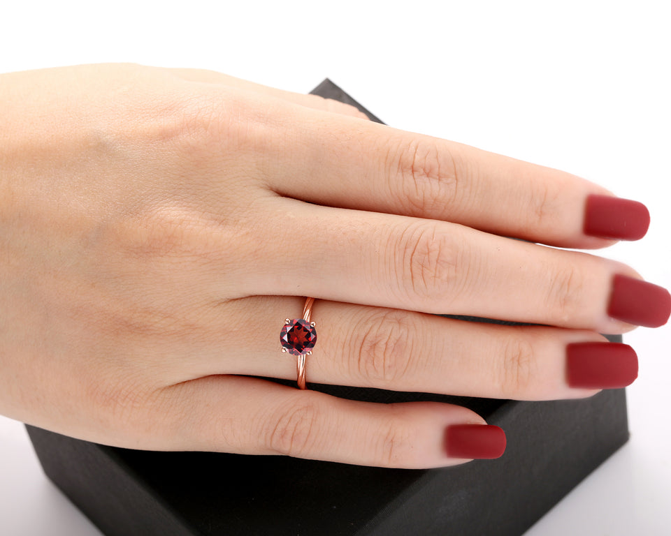 Rope Twist Band Ring, Simple Style 7mm Round Cut Natural Red Garnet Ring