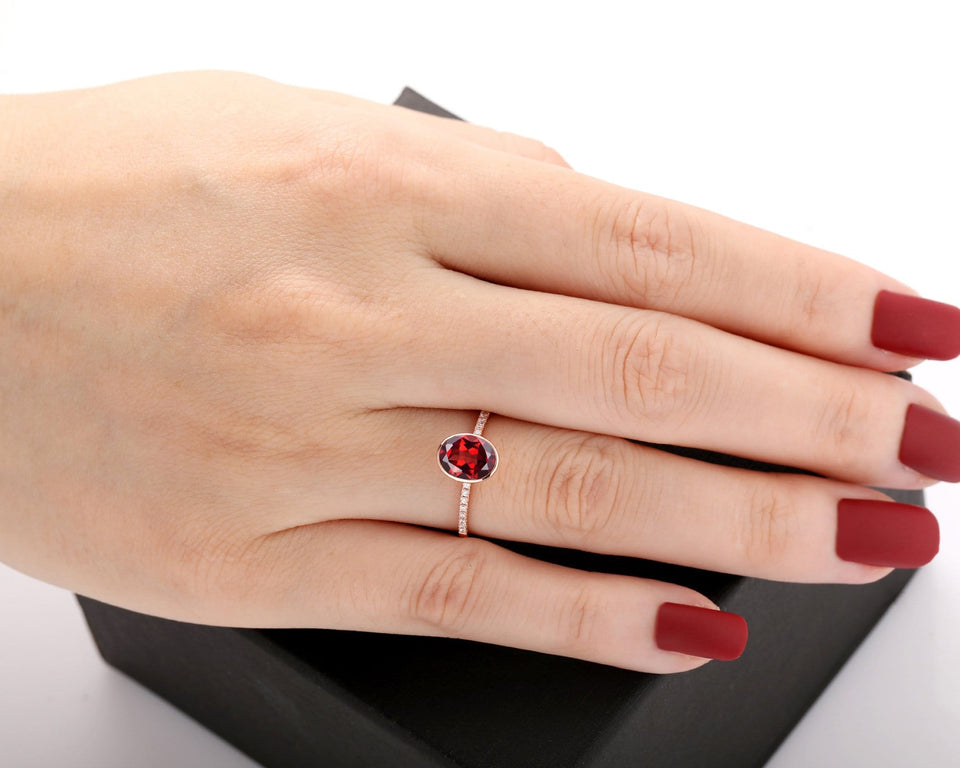 Women Bridal Jewelry, 1.5CT Oval Cut Natural Red Garnet Wedding Ring