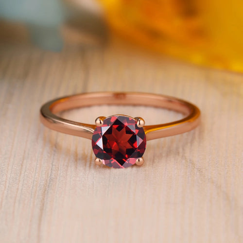 925 Sterling Silver - Vintage Style 6.5mm Round Cut Natural Red Garnet Ring