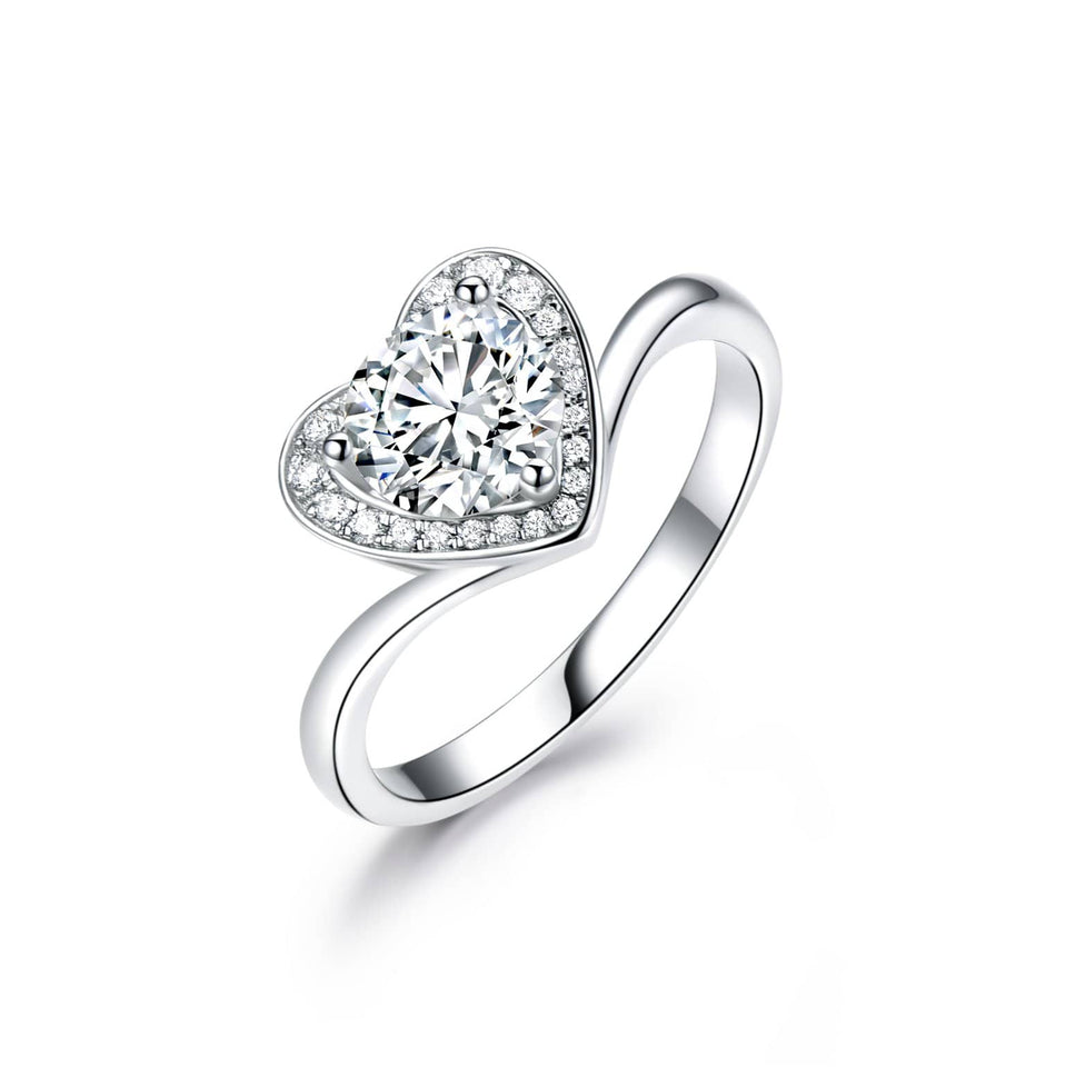Round Cut 1CT CVD Diamond Heart Accents Lab Grown Diamond Ring