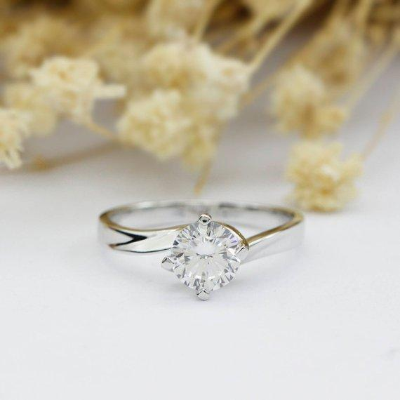 Round Cut 1CT Moissanite Ring, Solitaire 4 Prongs Engagement Ring
