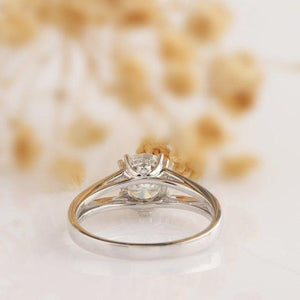 Art Deco Round Cut 2ct Moissanite Split Shanks Accents Wedding Ring