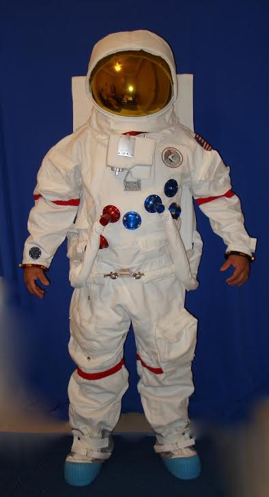 NASA Apollo Deluxe Replica A7LB Space Suit With Anodized Aluminum Suit Fittings And Gold Reflective Visor