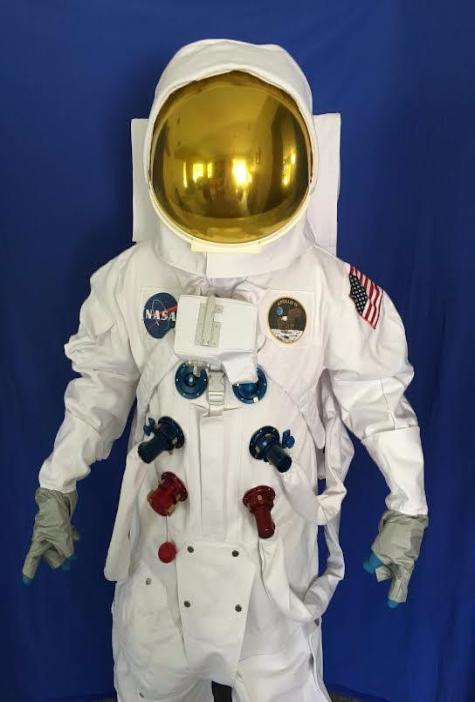 NASA Apollo Deluxe Replica A7L Space Suit With Anodized Aluminum Suit Fittings And Gold Reflective Visor