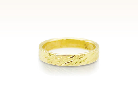 Oblique Hammered Band in 18K Gold: Size 7