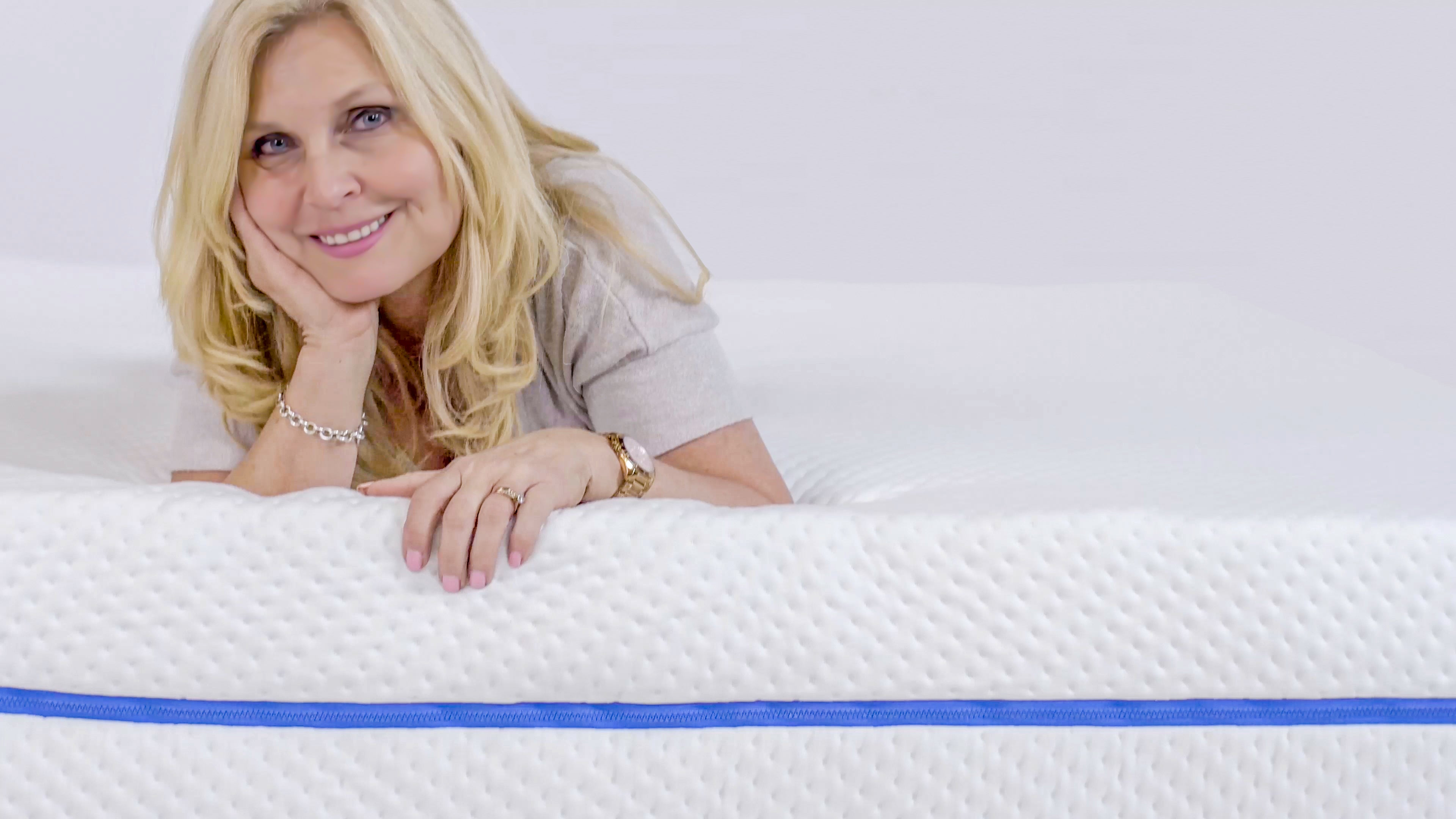 700 tiny mattresses in one