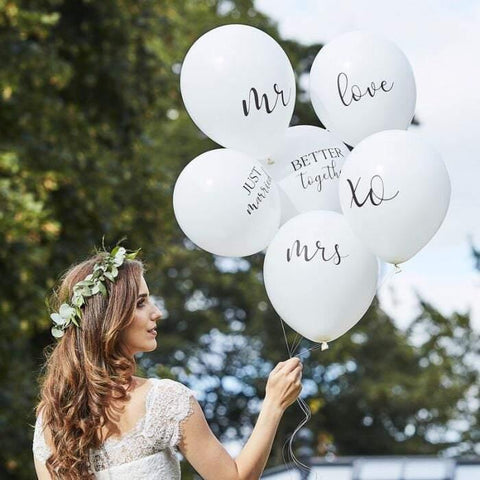 Mr and Mrs Just Married Balloons - HoorayDays