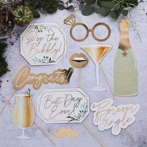 10 Gold Wedding Photo Props - HoorayDays