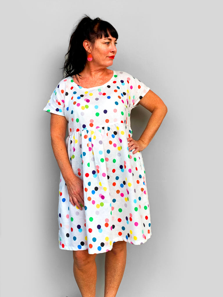 Confetti 100% cotton linen pleated dress (white)