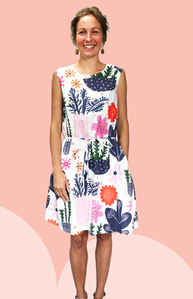 Load image into Gallery viewer, 1 x SALE (WHITE LEFT)Retro Pot Plant Garden 100% cotton dress with pockets (sleeveless)