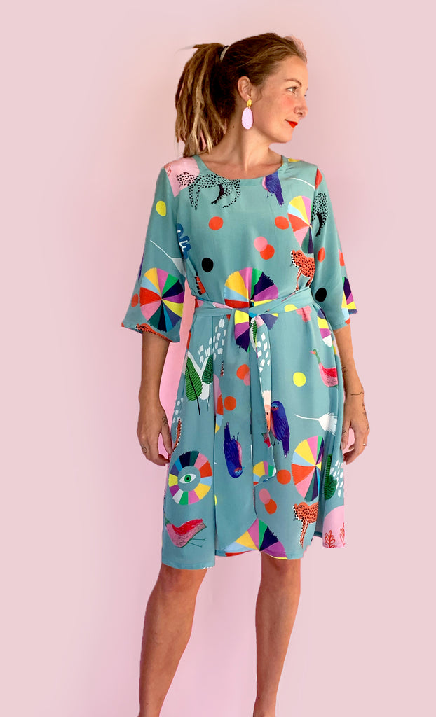 Doops Dessiner 100% silk dress with tie