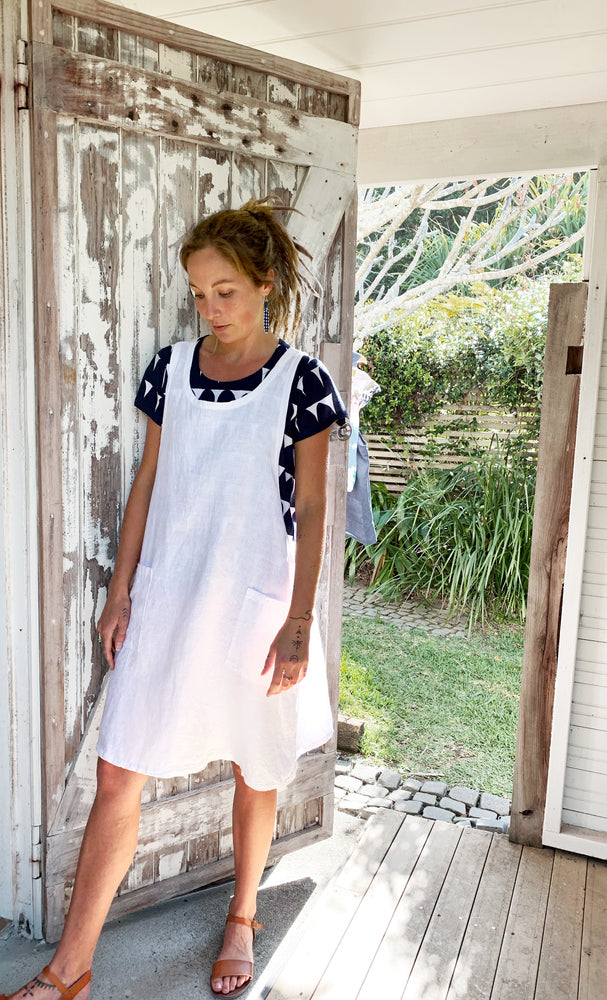 Load image into Gallery viewer, 100% linen Pinafore (OPTION - WHITE OR NAVY)