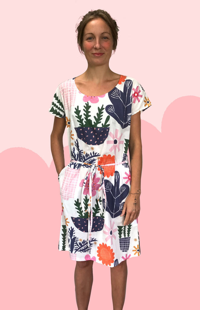 White Retro Pot Plant Garden 100% cotton dress with pockets (cap sleeves)