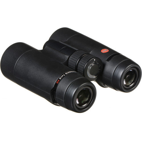 The Leica 7x42 Ultravid HD-Plus binocular's 17 mm eye relief makes it a good choice for birders who wear glasses.