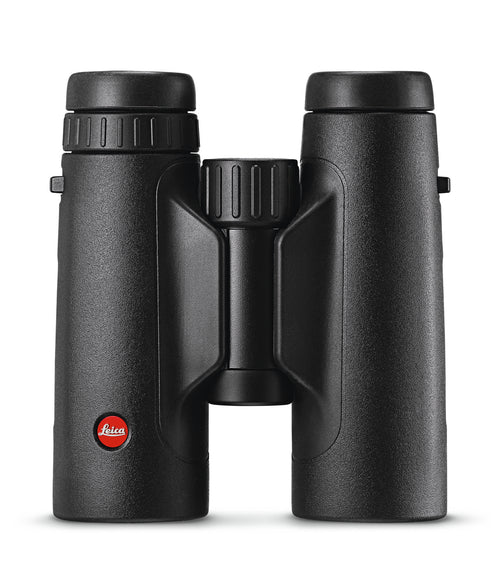 The Leica 8x42 Trinovid HD binocular combines high-quality optics and a sturdy design to create one excellent birding binocular.