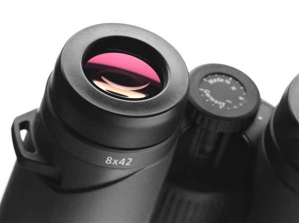 The Zeiss Victory SF 8x42 binocular's 18 mm close focus makes it one of the best premium binoculars for people who wear glasses.