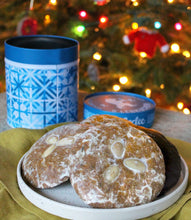 Lebkuchen Cookie Winter Gift Tin from Leckerlee