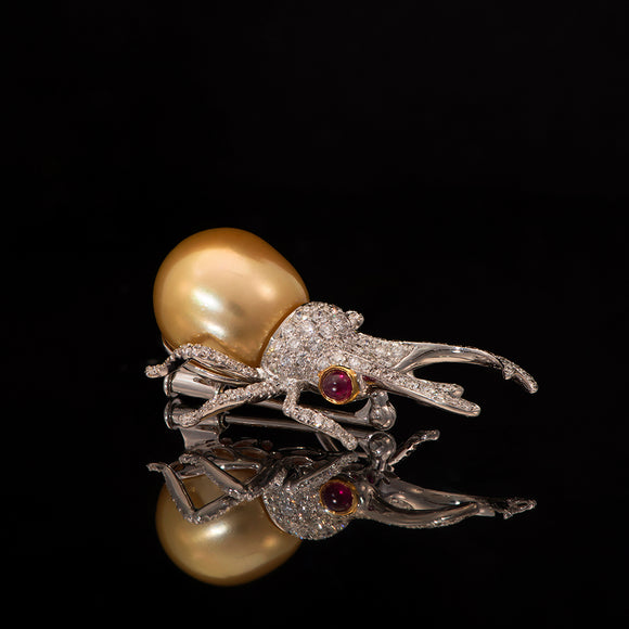 18k White Gold Golden Pearl and 2.8 ct Diamond Beetle Pin Brooch - Glad Jewelry