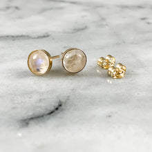 Load image into Gallery viewer, 14K Gold 6mm Rainbow Moonstone Earrings